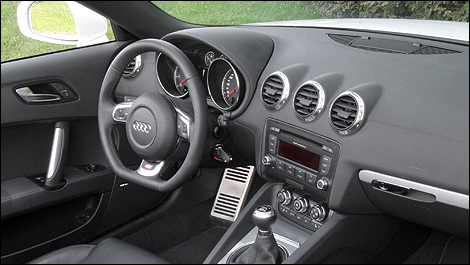 audi tt roadster 3 2 quattro s line 2008 essai routier. Black Bedroom Furniture Sets. Home Design Ideas