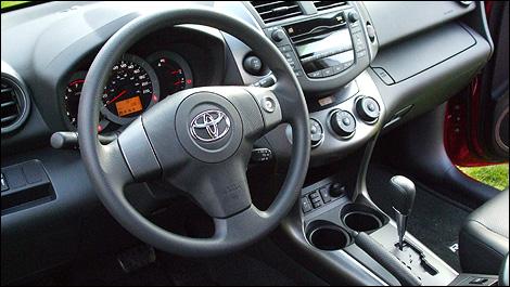 http://www.moto123.com/ArtImages/102043/2009-Toyota-RAV4-i11.jpg