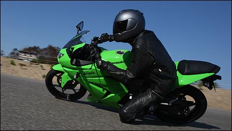 2009 Kawasaki Ninja 250R Review (video)