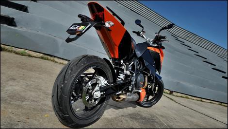 2009 KTM 690 Duke Review