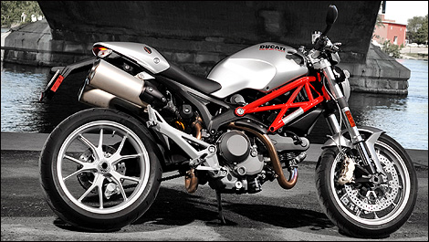 2009 ducati monster 1100 first impressions
