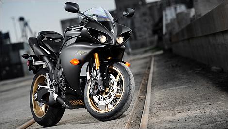 2009-2010 Yamaha YZF-R1 First Impressions