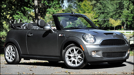 2009 mini cooper s convertible review. Black Bedroom Furniture Sets. Home Design Ideas