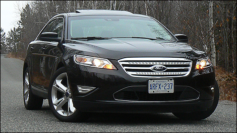 2010 Ford Taurus SHO Review (video)