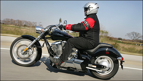 Honda Fury Review >> 2010 Honda VT1300 Fury, Sabre, Stateline and Interstate Review