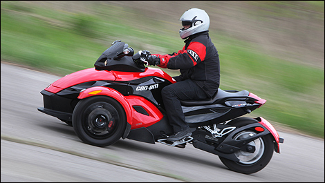 Can Am Spyder Roadster >> 2010 Can Am Spyder Rs Roadster Review