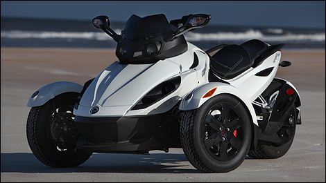 2010 can am spyder rs s first impressions. Black Bedroom Furniture Sets. Home Design Ideas