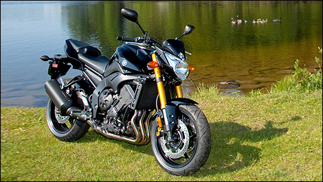 2011 Yamaha FZ8 and Fazer 8 First Impressions Yamaha Review
