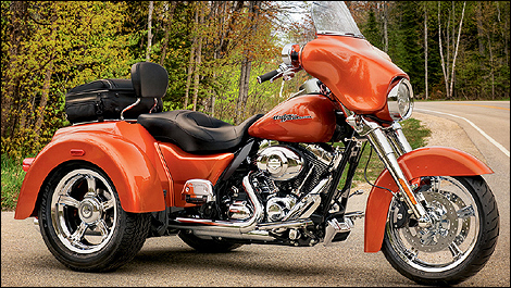 harley davidson street glide trike flhxxx 2011 essai. Black Bedroom Furniture Sets. Home Design Ideas
