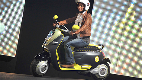 2010 Paris Motor Show A Mini Scooter E Concept And The Much Awaited