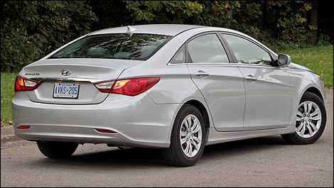 2015 hyundai sonata size is the gas autos post. Black Bedroom Furniture Sets. Home Design Ideas