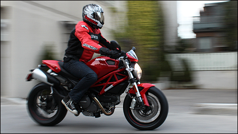 2011 ducati monster 796 review