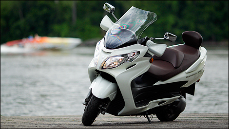 2011 suzuki burgman za400 abs review