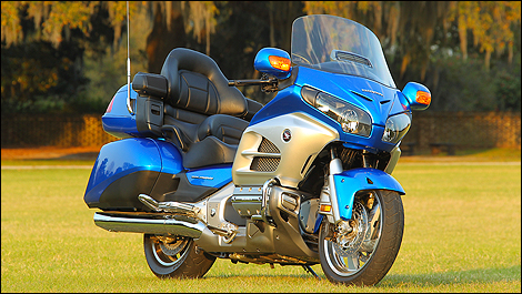 2012 Honda Gold Wing front 3/4 view