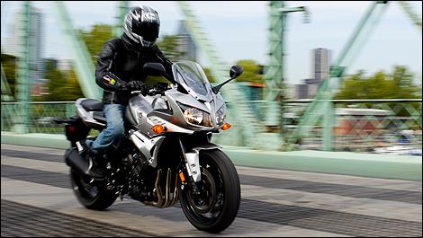 2011 Yamaha FZ1 Review