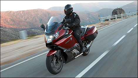 2010 BMW K1600GT front 3/4 view