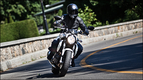 2012 Suzuki SFV Gladius 650 riding view