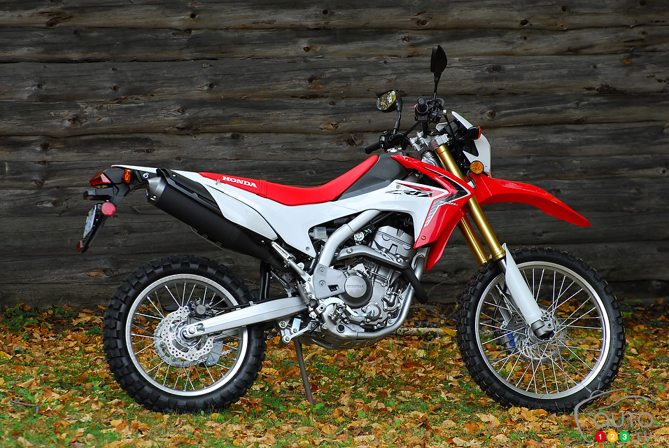 photos 2013 honda crf250l first impressions. Black Bedroom Furniture Sets. Home Design Ideas