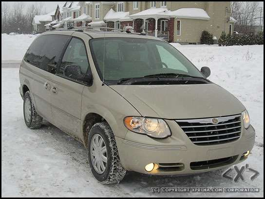 photos 2006 chrysler town country limited video clip. Black Bedroom Furniture Sets. Home Design Ideas