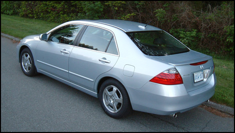 The Accord Hybrid A Good Car Made Better For 4 000 Premium
