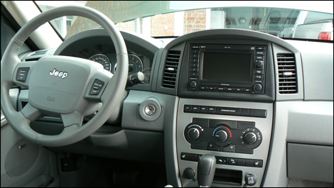 The Grand Cherokeeu0027s Interior Fairly Well Thought Out. Home Design Ideas