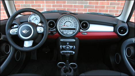 Mini cooper 2007 essai for Go kart interieur