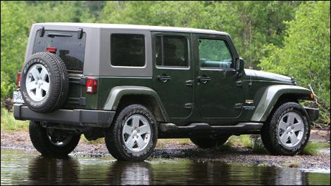 2007 jeep wrangler unlimited sahara road test. Black Bedroom Furniture Sets. Home Design Ideas