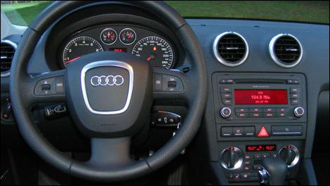 Audi a3 3 2 s line quattro 2008 essai for Interieur audi a3 2006