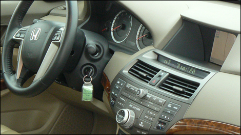 inside the two tone khaki color scheme was set off with wood trim