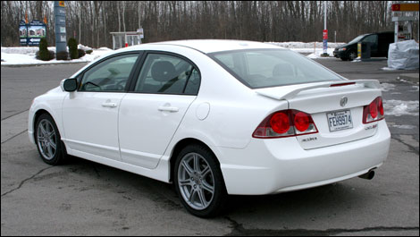 2008 Acura Csx - The Aero Kit Adds To The Sedans Sporty Look Much To The Delight Of Csx Customers - 2008 Acura Csx