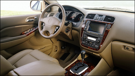 Acura on The Mdx Got Some More Comfort And Convenience Features For 2005  And