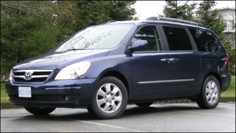 2008 Hyundai Entourage Limited Review