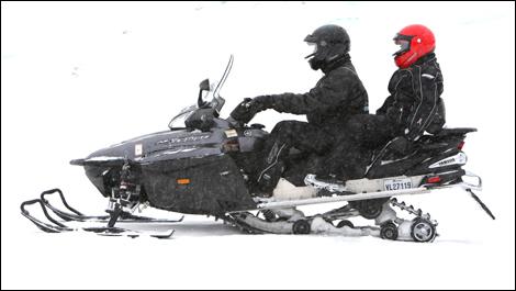 2008 Yamaha RS Venture GT vs 2008 Arctic Cat TZ1: Comparison Test ...