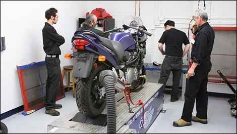 ecole mecanique moto competition g nie sanitaire. Black Bedroom Furniture Sets. Home Design Ideas